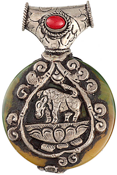 Carnelian Double-sided Pendant with the Figures of Bull and Dragon Seated on Lotus in Sterling Depicting One of Two Years of Tibetan Astrological Calendar