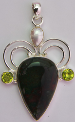 Agate Pendant with Pearl and Peridot