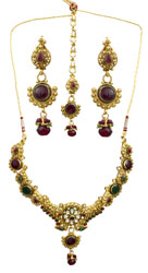 Maroon and Green Charming Necklace Set