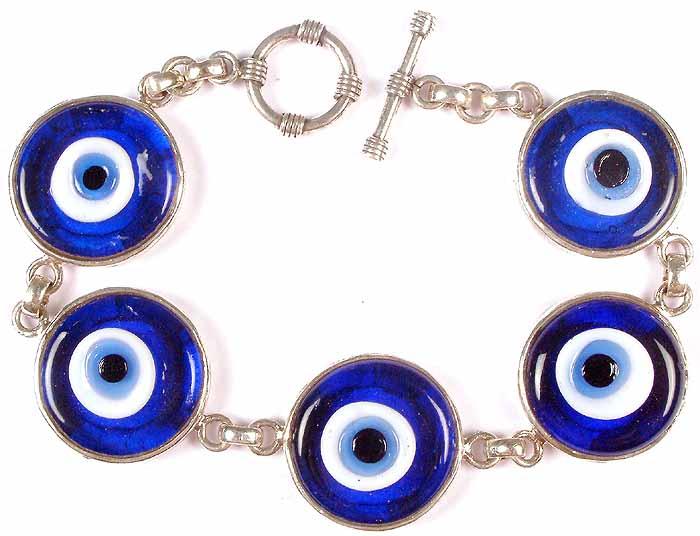 eye bracelet feature