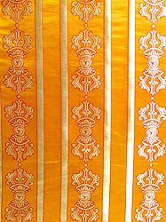 The Diamond-like State of Enlightenment (Golden Vajra Alter Cloth)