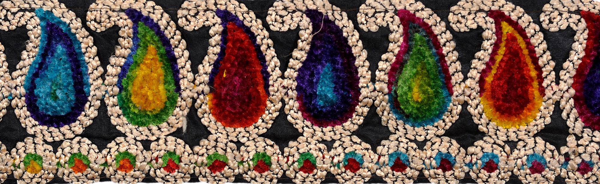 Multicolor fabric border with embroidered paisleys in