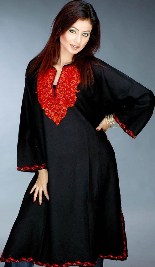 Black Kashmiri Phiran With Ari Embroidery