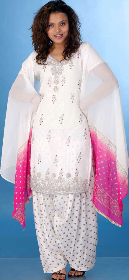 Домашняя одежда Ivory_patiala_salwar_kameez_with_beads_and_golden_kl87