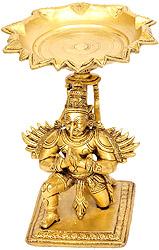 Lamp of Humble Garuda with Pointed Beak