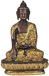 Lord Buddha in Bhumisparasha Mudra