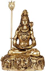 Mahayogi Shiva in Pranayama
