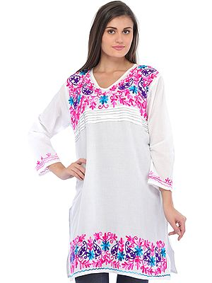 Bright-White Kurti with Wool-Embroidery